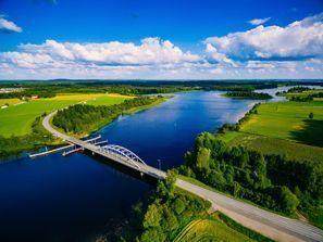 Araba kiralama Ödeshög, Finlandiya