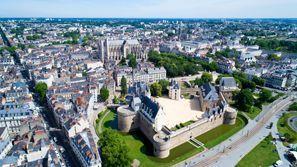Araba kiralama Nantes, Fransa